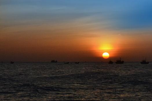 unnamed file 134 - Tả cảnh mặt trời mọc trên biển lớp 6